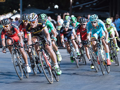 Tour de France Pelotons Governed by Sight, Not Aerodynamics